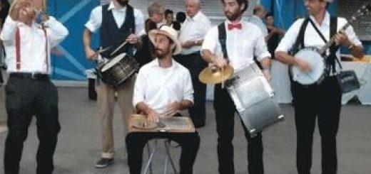 חצוצרן הפילהרמונית מנגן דיקסילנד בישראל
