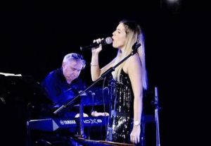 הקברט הצרפתי – מקצבים דרום אמריקאים – מנגינות מברודווי בישראל