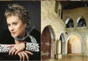 אווה מריה במנזר ארמני בישראל