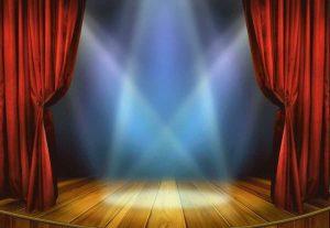 שלום חנוך ומשה לוי במופע בחושך - יציאה בישראל